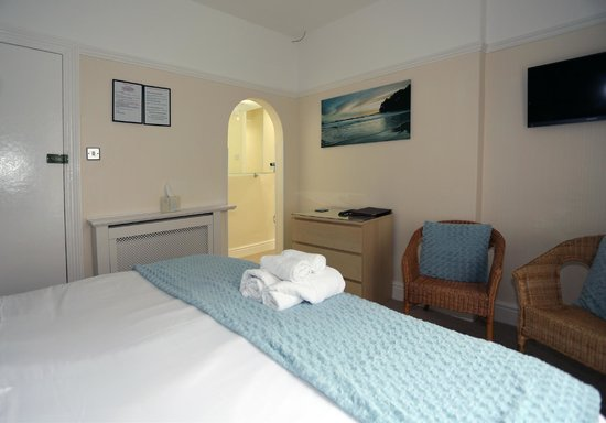 Del-Mar Bed & Breakfast: Triple room ensuite single & superking