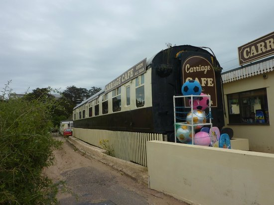 Railway Carriage Cafe: Outside view of Railway Carraige Cafe Exmouth