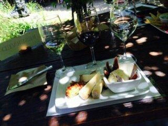 The Hess Collection Winery & Art Museum: Wine and cheese.
