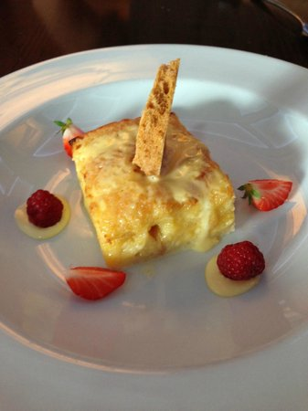 Cloister Restaurant: Classic Bread Pudding