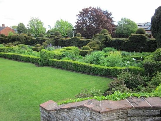 Shakespeare's New Place: Garden at Nash's House
