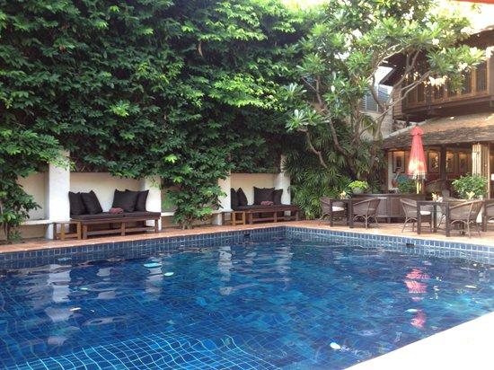 Tamarind Village: Pool Area