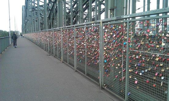 Hohenzollern Bridge : Замковый мост