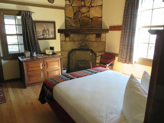 The Lodge at Bryce Canyon: Nice Room