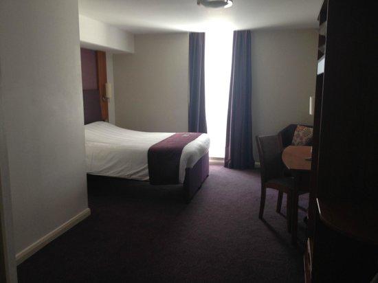 Premier Inn Belfast Titanic Quarter Hotel: Room 303