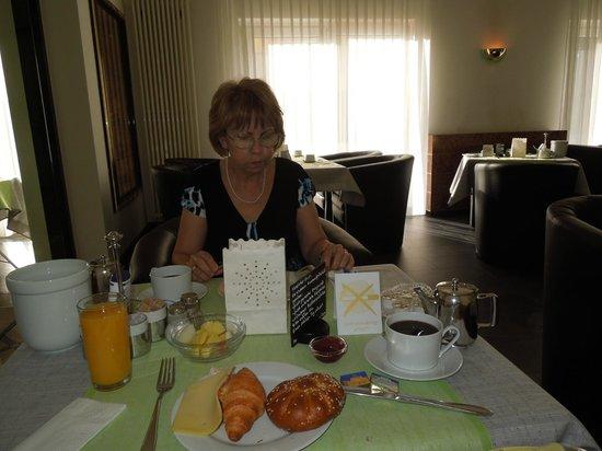 Hotel Royal: Frühstücks-Saal