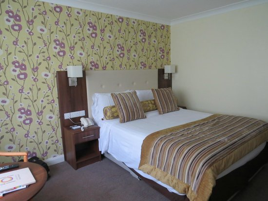 Best Western Plus White Horse Hotel: bed