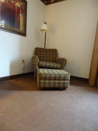 Hampton Inn Fort Smith: Chair in room