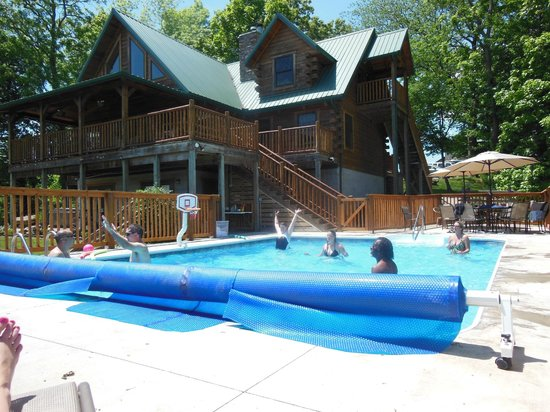 KD Guest Ranch: Pool time!