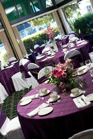 Delta Town & Country Inn: Weddings at Delta Inn