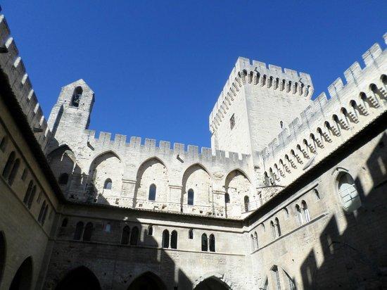 Pope's Palace (Palais des Papes): Visão interna