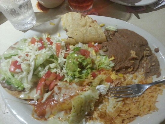 La Playa Mexican Cafe: Mexican Plate: Enchilada,  taco,  chalupa, rice and beans.