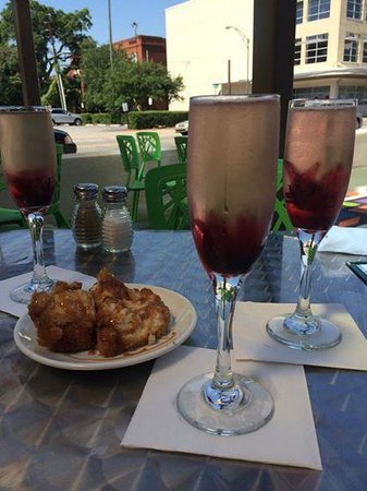 The Funky Brunch Cafe: mimosas and funky bread