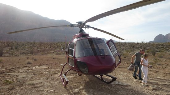 """Sundance Helicopters : Older Eurocopter """"Squirrel"""""""