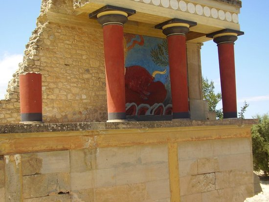 Queens Megaron - Picture of The Palace of Knossos ...