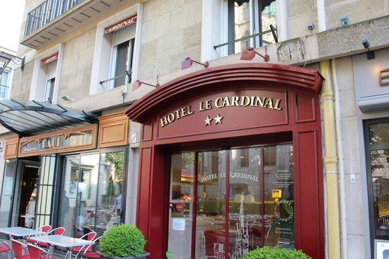 Hotel le Cardinal : Fachada y entrada