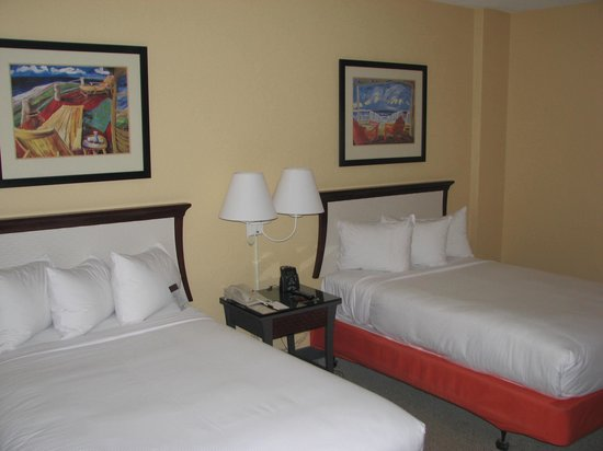 Bahia Mar Fort Lauderdale Beach - a Doubletree by Hilton Hotel: Room 402, different angle