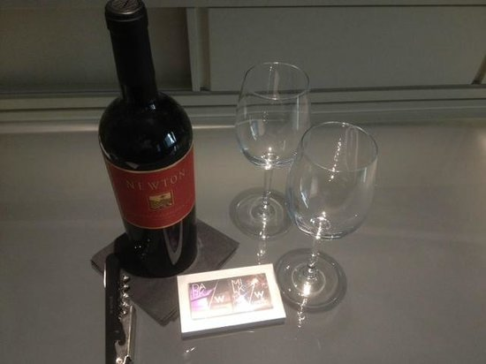 W Chicago - City Center: Complimentary wine and chocolates for our anniversary.