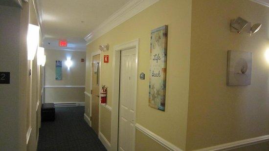 Atlantic Breeze Suites : Hallway