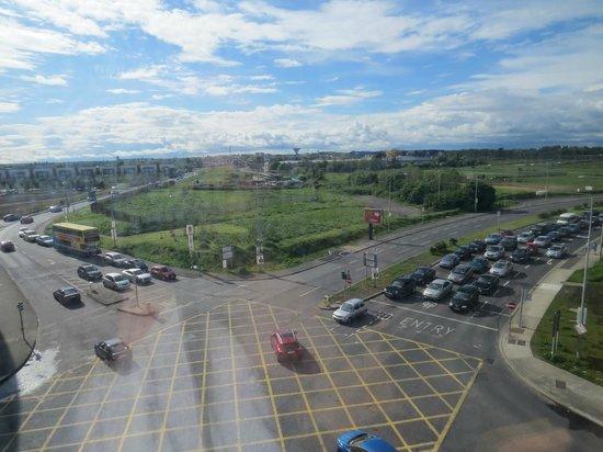 Metro Hotel Dublin Airport: Very noisy traffic!!!