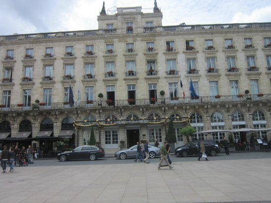 InterContinental Bordeaux Le Grand Hotel: Facade of the hotel
