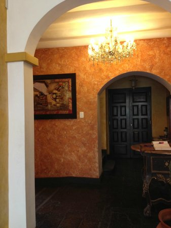 Andean Wings Boutique Hotel : view of entry area