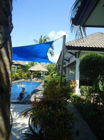 Gili Palms Resort : Pool area
