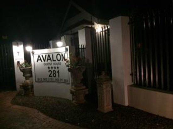 Avalon: entrada