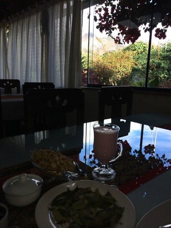 Ccapac Inka Ollanta: breakfast with a view