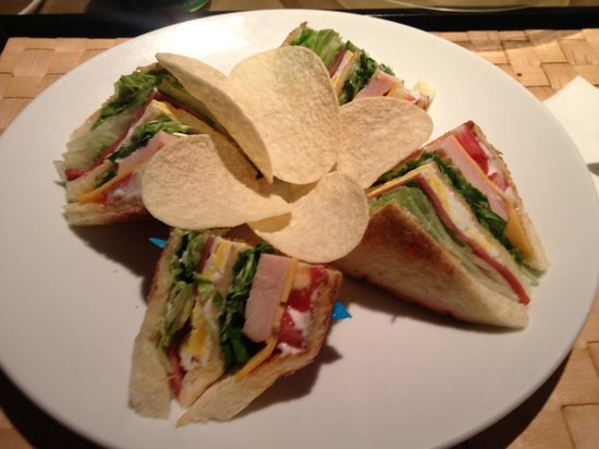 Taipei Fullerton Hotel Fuxing South: Some sandwiches to the room