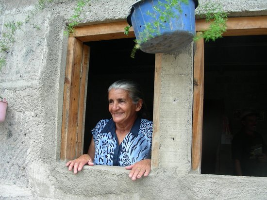 Julio Tours Nicaragua - Day Tours: Woman from Nicaragua