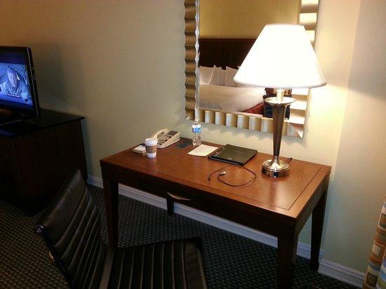 Hilton Houston Post Oak by the Galleria: desk