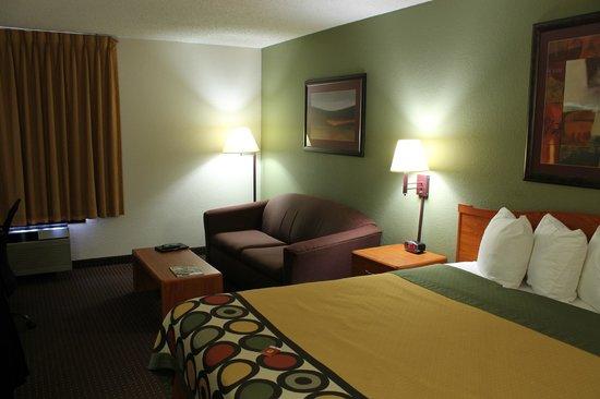 Super 8 Madison South : Madison, Super 8 - Madison South, Room 312