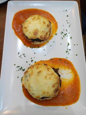 Meson Guadalquivir : Torta de setas con gratinado de ajos