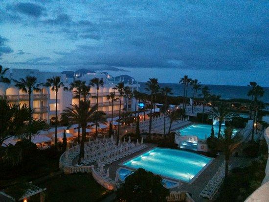 Iberostar Albufera Playa: Abendlicher Blick vom Hotelzimmer