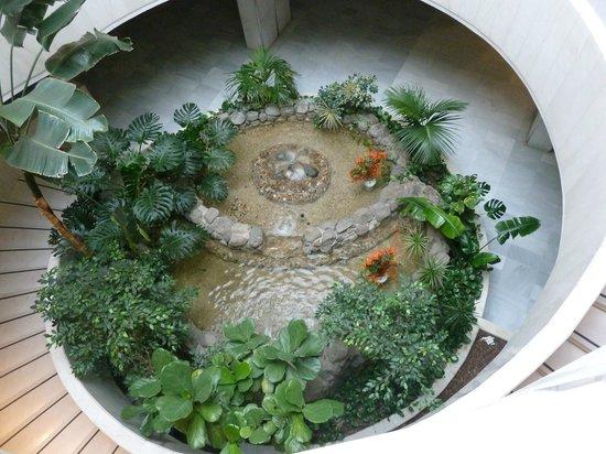 Melia Lebreros : Fountain in Basement