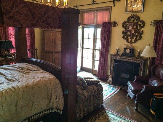 The Villa Bed and Breakfast: King Juan Carlos