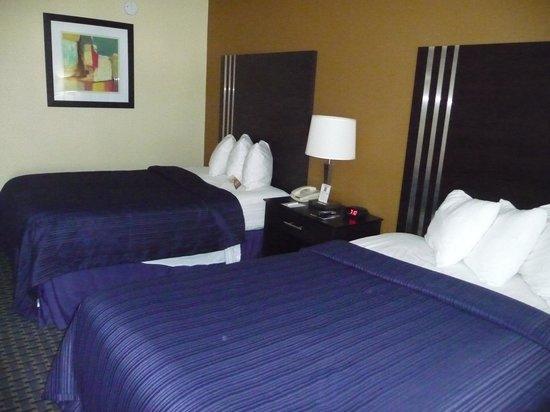 Quality Inn: room pic 1