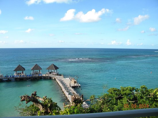 Sandals Ochi Beach Resort: View from our 5th floor room