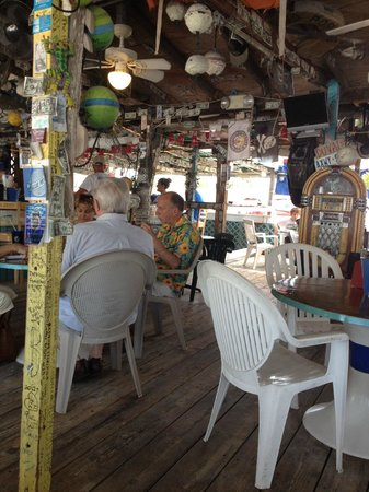 Porky's Bayside - Restaurant and Marina: Easy Breezy