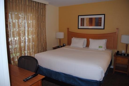 HYATT house Miami Airport : camera da letto