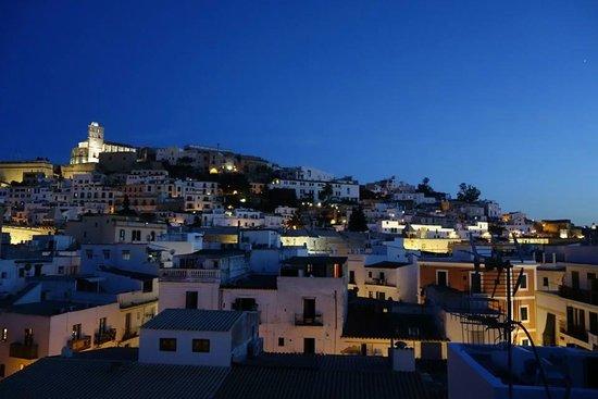 La Dama d'Eivissa: La vue sur la vieille ville d'Eivissa