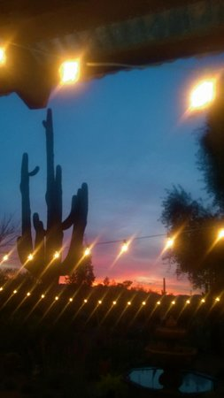 Hacienda Linda: Sunsets and cafe lights in the courtyard.