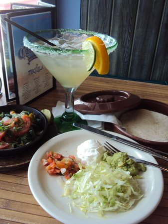 CANTINA #1: Veggie Fajitas with a margarita for lunch
