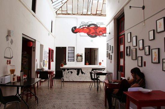 ContraLuz Art Hostel