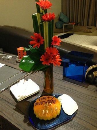 Hotel Baraquda Pattaya - MGallery by Sofitel: Dusit D2 Baraquda Pattaya Hotel,Поздравление от отеля