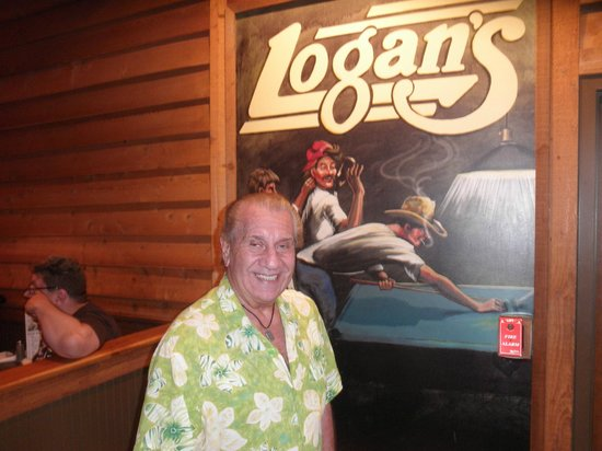 Logan's Roadhouse: sign by the entrance