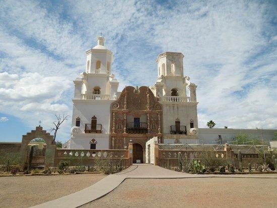 Mission San Xavier del Bac : San Xavier del Bac Mission