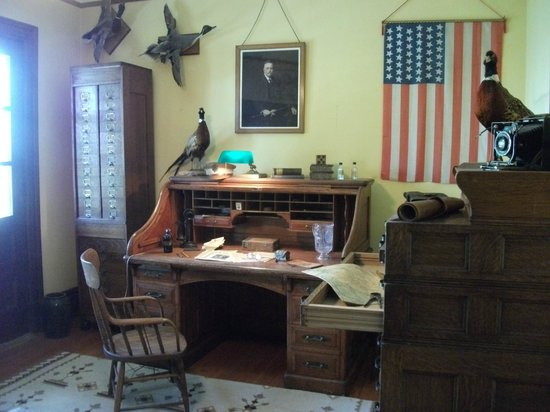 Fort Worden State Park: Commanding Officer's House Museum study