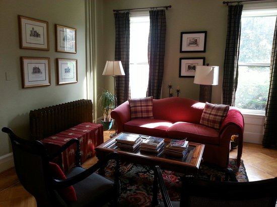 The Country Squire B&B: Sitting room